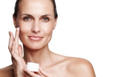 More-studies-needed-to-confirm-safety-of-vitamin-A-in-cosmetics_wrbm_large