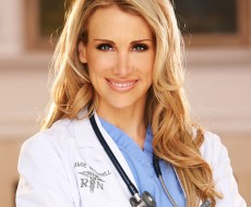 the-nurse-is-in-dermstore-chats-with-hollywood-skin-expert-nurse-jamie